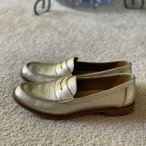 Sperry Seaport Penny Loafer size 8.5 Platinum
